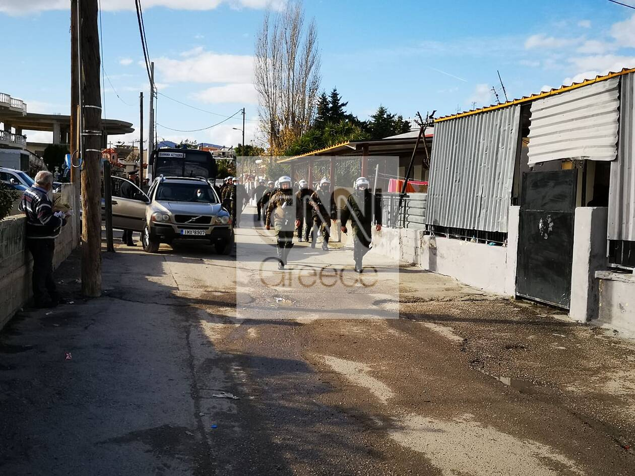 https://cdn.cnngreece.gr/media/news/2020/12/29/248636/photos/snapshot/pyrovolismoi-aspropyrgos-travmaties-4.jpg