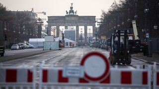 Εμβόλιο κορωνοϊός - Γερμανία: Πριν την «ανοσία της αγέλης» η άρση μέτρων περιορισμού