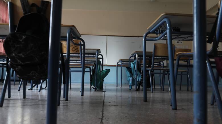 Κορωνοϊός: Τι θα γίνει με το άνοιγμα των σχολείων - Θρίλερ με τις ημερομηνίες