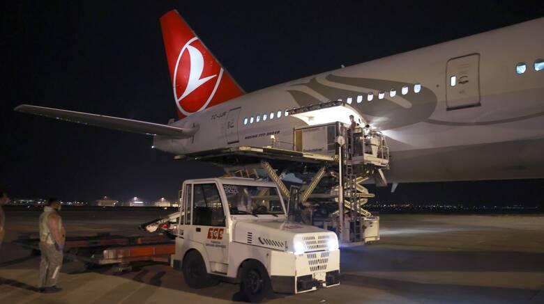 Στην Τουρκία τρία εκατομμύρια δόσεις από το κινεζικό εμβόλιο Sinovac