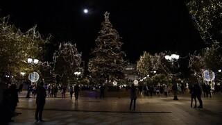 Πρωτοχρονιά όπως... Χριστούγεννα: SMS, έλεγχοι και απαγόρευση κυκλοφορίας - Όσα θα ισχύουν