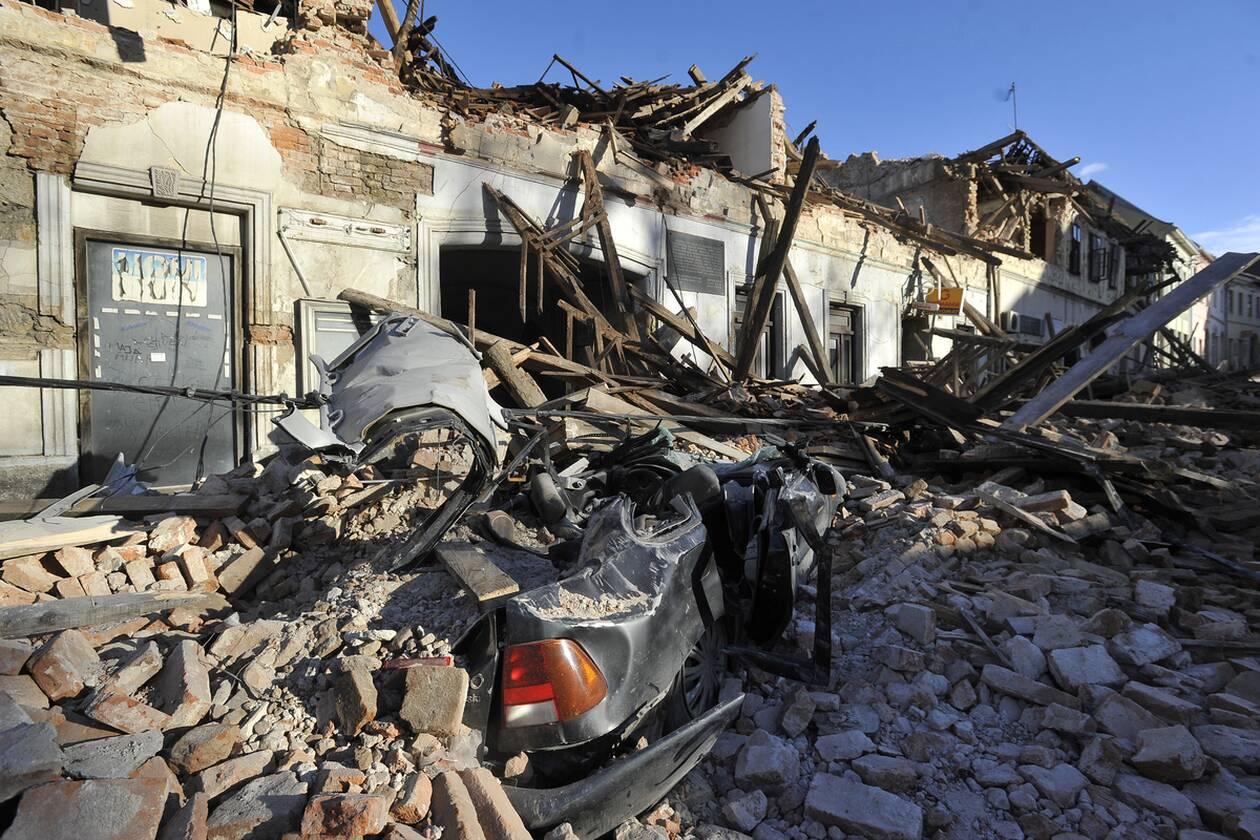 https://cdn.cnngreece.gr/media/news/2020/12/30/248754/photos/snapshot/croatia_seismos-8.jpg