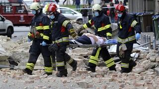 «Η φρίκη της Πέτρινια»: Ισχυροί μετασεισμοί και αγωνία στην Κροατία μια μέρα μετά τον φονικό σεισμό