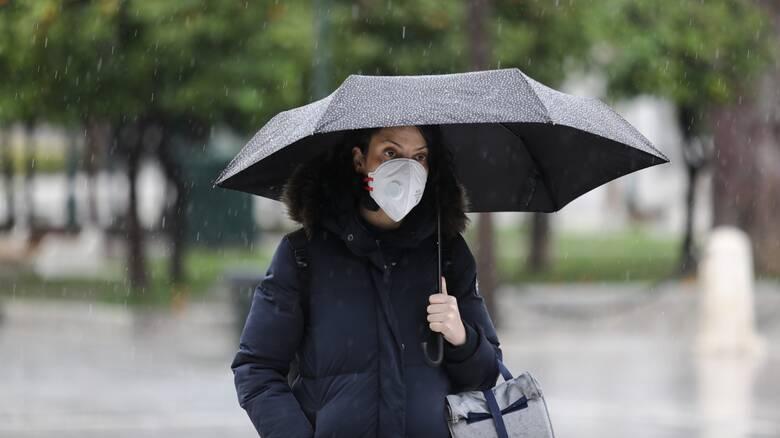 Καιρός: Βροχερή η τελευταία ημέρα του χρόνου