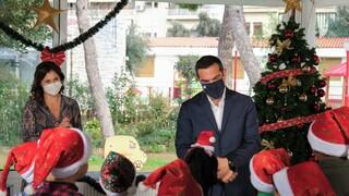 Στο Πρότυπο Εθνικό Νηπιοτροφείο είπαν τα κάλαντα στον Τσίπρα