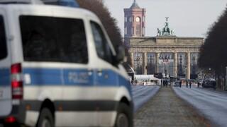 Κορωνοϊός: Επί ποδός σχεδόν 3.000 αστυνομικοί στο Βερολίνο για την παραμονή της Πρωτοχρονιάς
