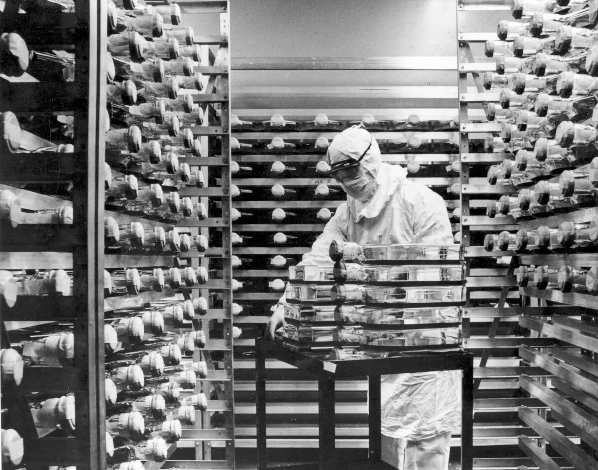 Χρονιά λύτρωσης το 2021: Τα εμβόλια για μια ακόμη φορά στην υπηρεσία της ανθρωπότητας