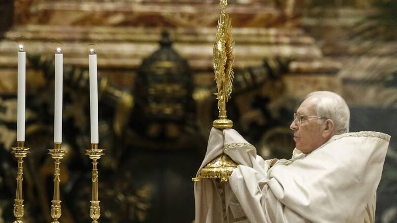 Πάπας Φραγκίσκος: «Ελπίζουμε να υπάρξουν νέες θεραπείες, αλλά χρειάζεται εμβόλιο και για την καρδιά»