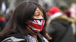 Κορωνοϊός: Η Μεγάλη Βρετανία επαναλειτουργεί τα νοσοκομεία εκστρατείας