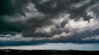 Καιρός: Έντονα φαινόμενα σήμερα – Έρχεται «μέτωπο» ισχυρών καταιγίδων τη Δευτέρα