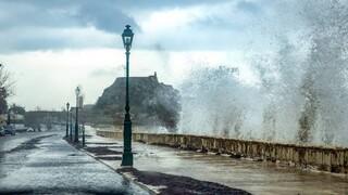 Καιρός: Ισχυρές βροχές και καταιγίδες σε όλη τη χώρα τη Δευτέρα