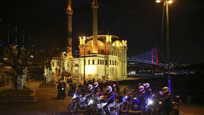 Κορωνοϊός: Σχεδόν 10.000 νέα κρούσματα στην Τουρκία σε ένα 24ωρο