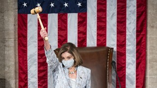 Ξανά στο τιμόνι της Βουλής των Αντιπροσώπων η δημοκρατική Νάνσι Πελόζι