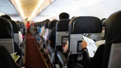 Κορωνοϊός: Η Ταϊλάνδη απαγορεύει φαγητό, ποτό, εφημερίδες και περιοδικά σε εσωτερικές πτήσεις