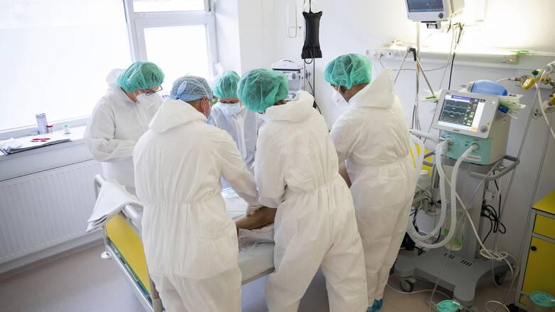 Κορωνοϊός: 427 νέα κρούσματα, 407 διασωληνωμένοι, 54 θάνατοι