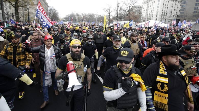 ΗΠΑ: Συνελήφθη ο ηγέτης των Proud Boys δύο μέρες πριν τη μεγάλη διαδήλωση κατά της εκλογής Μπάιντεν