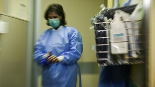 Κορωνοϊός - ΠΟΕΔΗΝ: Μεγάλη διασπορά του ιού στην Δ' Παθολογική Κλινική του νοσοκομείου «Αττικό»