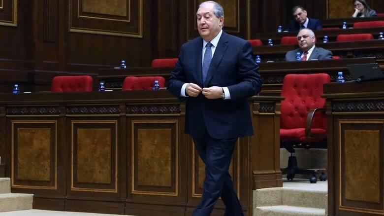 Θετικός στον κορωνοϊό ο πρόεδρος της Αρμενίας