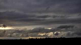 Καιρός: Θεοφάνεια με συννεφιά - Μέχρι πού θα φτάσει η θερμοκρασία