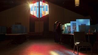 ΗΠΑ: Άνοιξαν οι κάλπες στην Τζόρτζια για τις επαναληπτικές εκλογές για τη Γερουσία