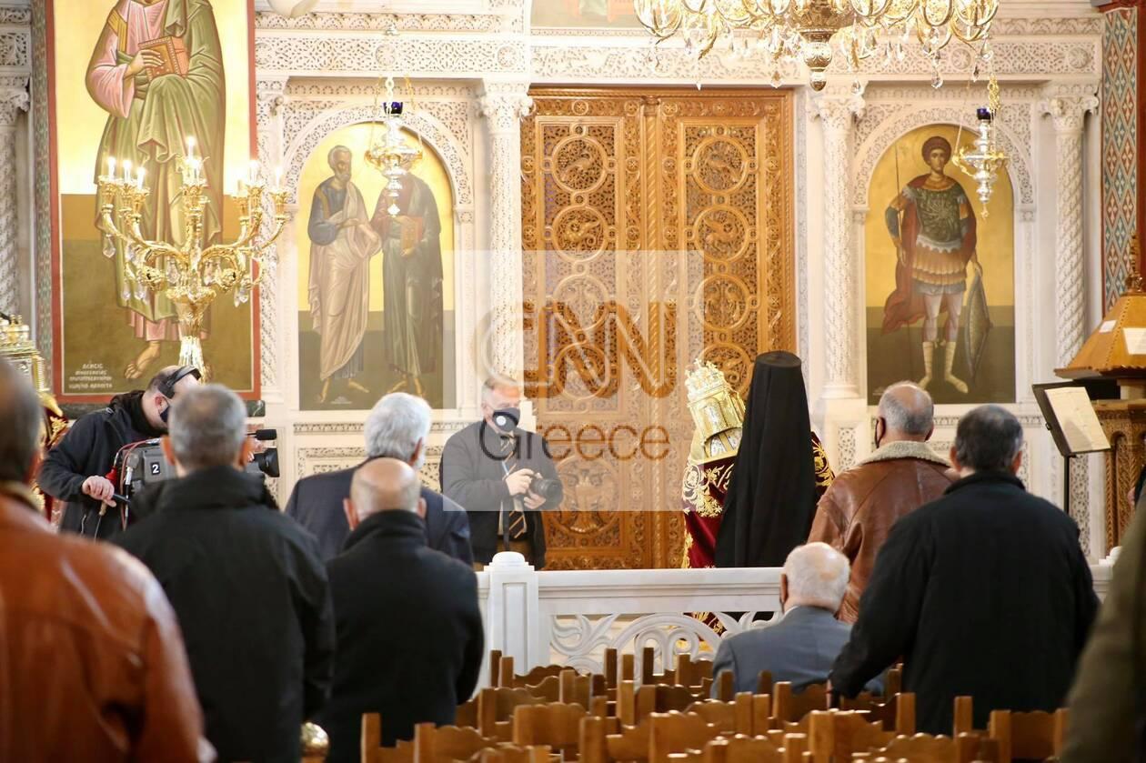 https://cdn.cnngreece.gr/media/news/2021/01/06/249505/photos/snapshot/mhtropolh-peiraia-theofaneia-4.jpg