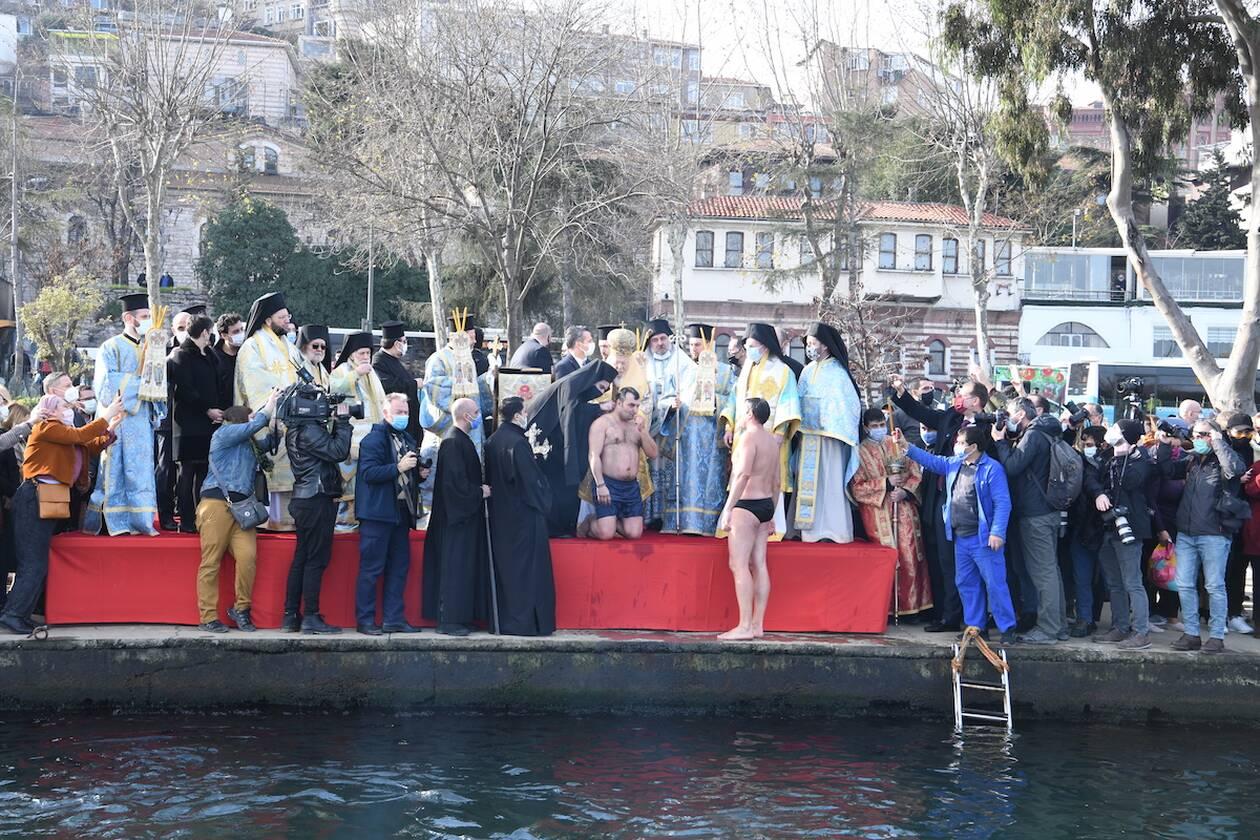 https://cdn.cnngreece.gr/media/news/2021/01/06/249572/photos/snapshot/theofaneia-patrairheio-DSC_3875.jpg
