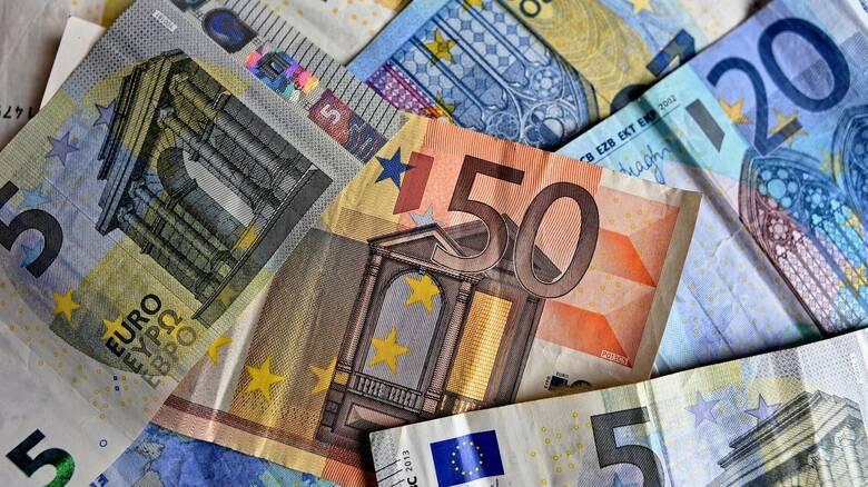 Επίδομα 400 ευρώ: Ποιοι επτά κλάδοι θα το πάρουν και πώς