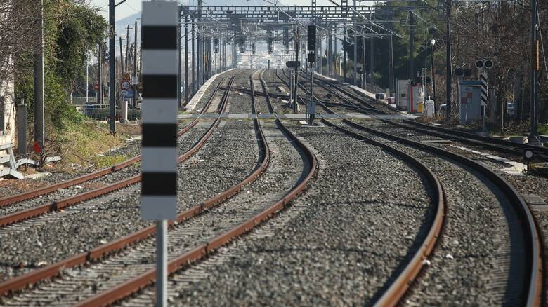 Θήβα: Νεκρός 55χρονος στις ράγες του τραίνου