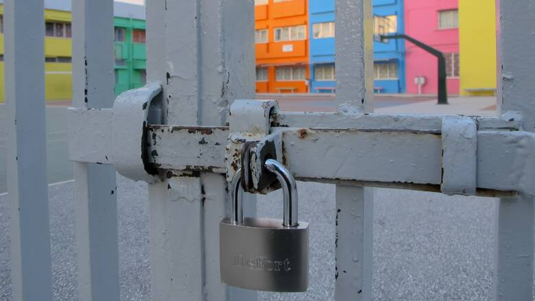 Κορωνοϊός: Έκτακτη συνεδρίαση της Επιτροπής Λοιμωξιολόγων για το άνοιγμα των σχολείων