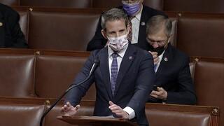 ΗΠΑ: Ρεπουμπλικανός βουλευτής ζητά την καθαίρεση Τραμπ από το αξίωμα του προέδρου