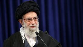 Εμπάργκο Ιράν στις εισαγωγές των εμβολίων από ΗΠΑ και Βρετανία  - Ζητά να αρθούν οι κυρώσεις