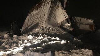 Ρωσία: Τρεις νεκροί από χιονοστιβάδα που «έθαψε» χιονοδρομικό κέντρο