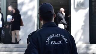 Άρπαξαν όπλο και φυσίγγια από σπίτι αστυνομικού στο Περιστέρι