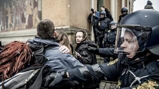 Δανία: Επεισόδια και συλλήψεις σε διαδήλωση κατά των μέτρων για τον κορωνοϊό
