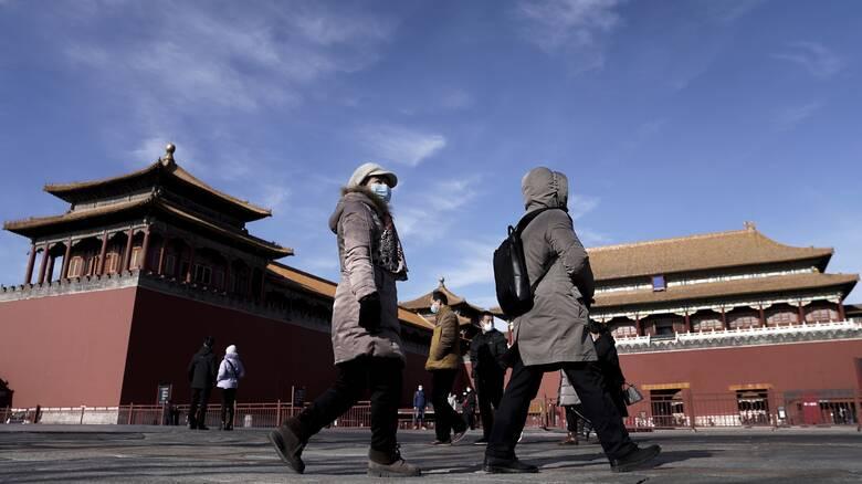 Με μια εβδομάδα καθυστέρηση στην Κίνα ο ΠΟΥ για την προέλευση του κορωνοϊού