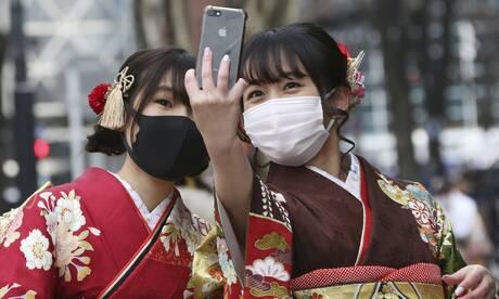 Ιαπωνία: Μαγικές εικόνες από την Ημέρα Ενηλικίωσης στη σκιά της πανδημίας