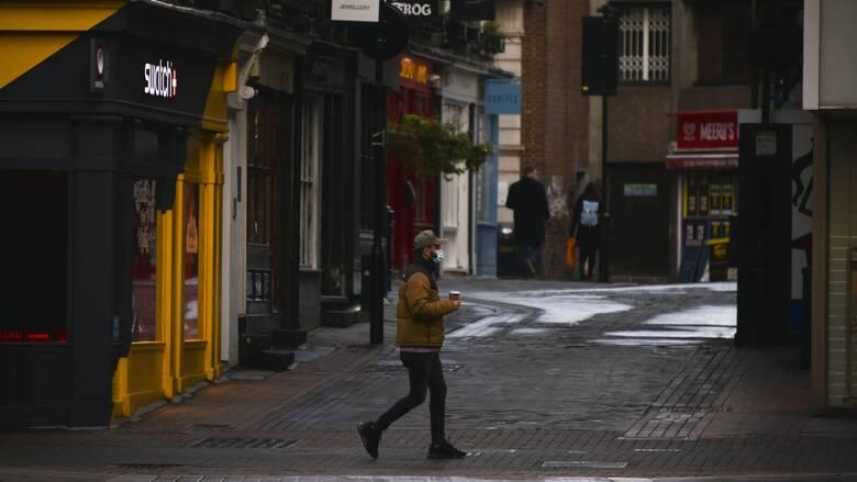 Κορωνοϊός – Βρετανία: Δραματικές προειδοποιήσεις για εξάπλωση του νέου στελέχους στα σουπερμάρκετ