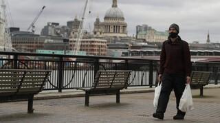 Επικεφαλής ιατρικός σύμβουλος Βρετανίας: Οι επόμενες εβδομάδες της επιδημίας θα είναι οι χειρότερες