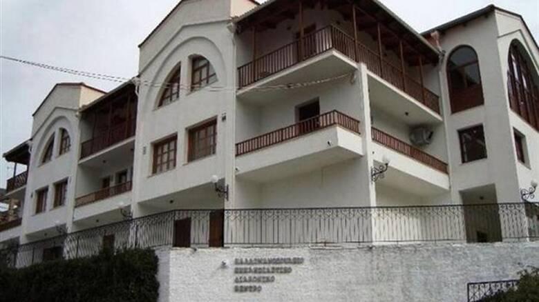 Κορωνοϊός: Συναγερμός στα Καλάβρυτα - 26 θετικά κρούσματα στο «Καλλιμανοπούλειο»