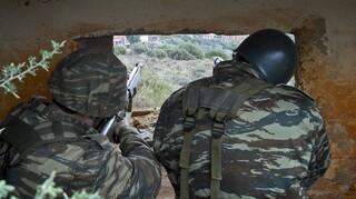 Στρατιωτική θητεία: Ανοικτό το ενδεχόμενο να γίνει 12μηνη - «Όχι» στη στράτευση στα 18