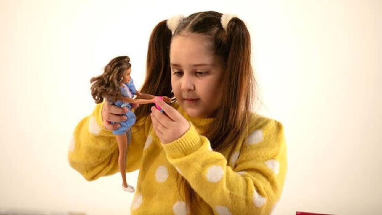 The DOLLcumentary: Το παιχνίδι με τις κούκλες, τα πρότυπα, οι αξίες, η ενσυναίσθηση