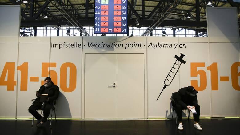 Κορωνοϊός - Γερμανία: Απογοήτευση για τη «δυσκίνητη» διαδικασία εμβολιασμών