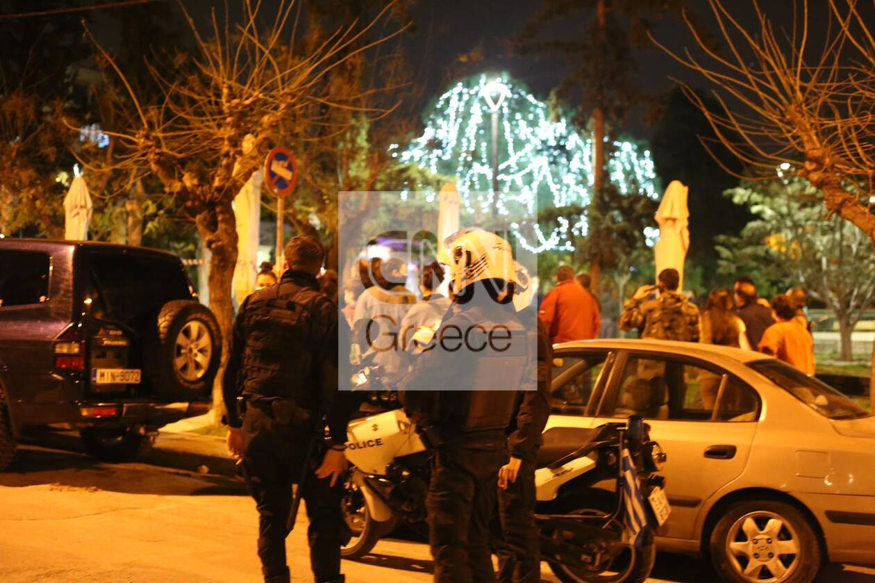 https://cdn.cnngreece.gr/media/news/2021/01/11/250202/photos/snapshot/nea-smyrni-pyrovolismoi-5.jpg