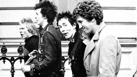 O Ντάνι Μπόιλ ετοιμάζει μια σειρά για τους Sex Pistols - Με επίκεντρο τον κιθαρίστα Στιβ Τζόουνς