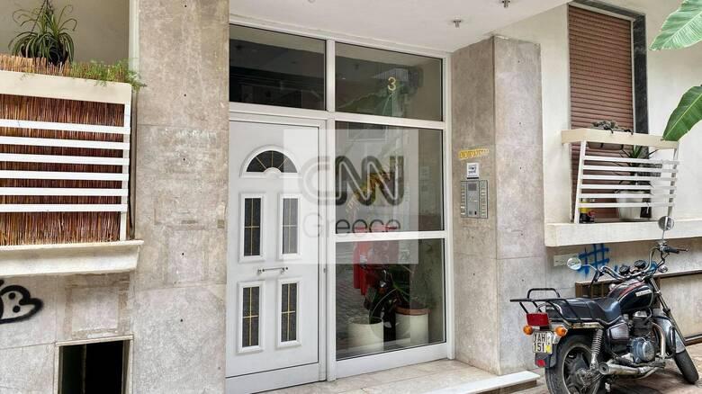 Βύρωνας: Βρέθηκε νεκρή γυναίκα στο διαμέρισμά της