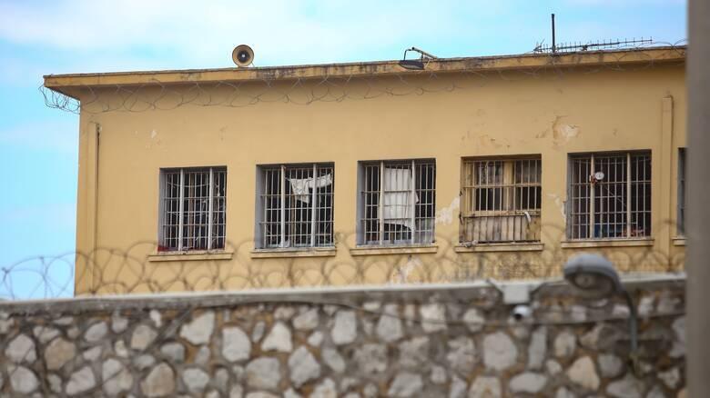 Κορωνοϊός: Αίρονται έκτακτα μέτρα κατά της πανδημίας στις φυλακές