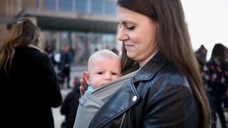 Κορωνοϊός: Πόσο ασφαλής είναι ο εμβολιασμός των εγκύων και των γυναικών που θηλάζουν;