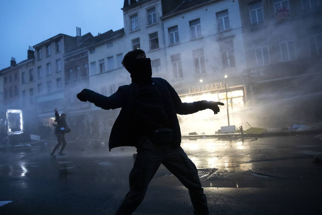 https://cdn.cnngreece.gr/media/news/2021/01/13/250477/photos/snapshot/vryxelles-3.jpg