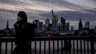Κορωνοϊός - Γερμανία: Νέο ρεκόρ θανάτων - Υπέρ του υποχρεωτικού εμβολιασμού οι πολίτες