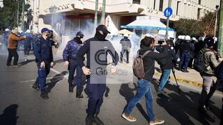 Φοιτητικό συλλαλητήριο: Ένταση και χημικά στο κέντρο της Αθήνας